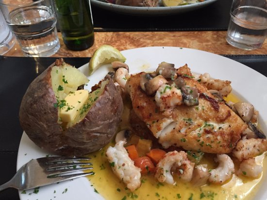 Tilveran: Cod with lobster (small) tails