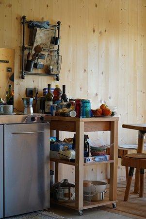 Forest Chalet Resort FELIZITAS: Küche Und Essbereich