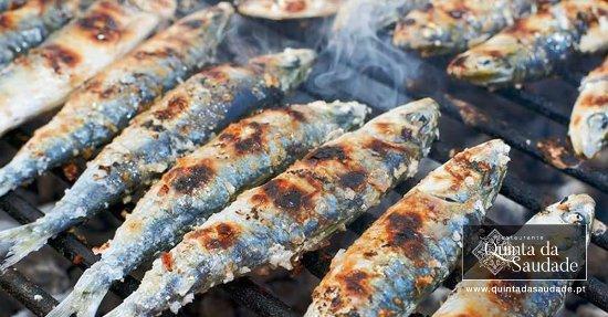 Restaurante & Bar Quinta da Saudade : Quinta Da Saudade Summer BBQ sardines grilling