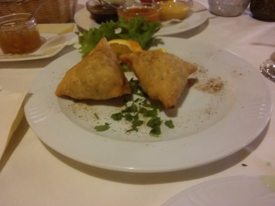 Taj Mahal: Rather large samosas!