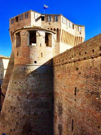 Mondavio, Italia: il mastio ottagonale della Rocca visto dall'interno