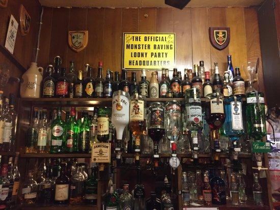 Llanwrtyd Wells, UK: Great bar