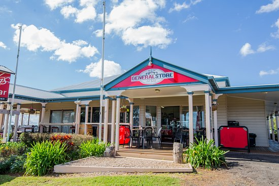 Witta, Australia: Store from front