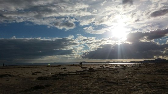 Morfa Bychan, UK: Beach view ready for sunset