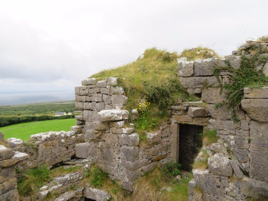 Ballinalacken Castle Country House: Touring the castle ruin was the highlight of the hotel stay.