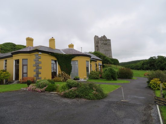 Ballinalacken Castle Country House Photo