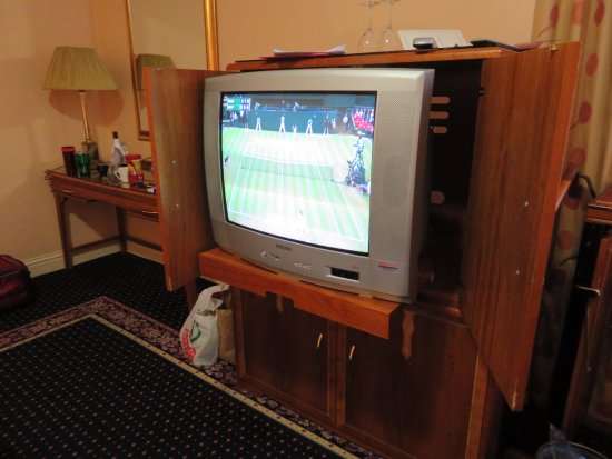Park House Hotel: Couldn't believe the ancient TV