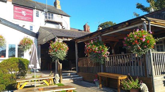 The White Lion Restaurant : Blue Skies