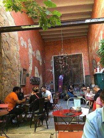 Restaurant en aparthe dans salon de provence avec cuisine m diterran enne - Restaurant pakistanais salon de provence ...