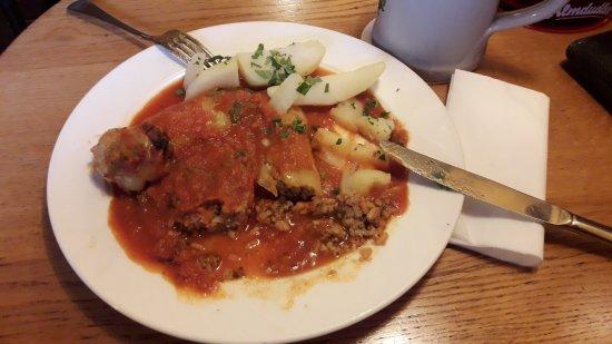Seekirchen am Wallersee, Austria: gfüllte Paprika - saisonal - so guad wia früher bei da Mama