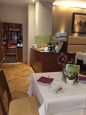 Hotel&Villa Auersperg: Dining room- breakfast