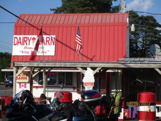 Kemptville, Canada: Dairy Barn