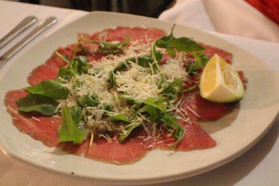La Pineta: ....a beef capacio starter