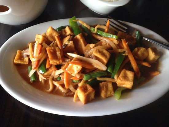 Ancaster, แคนาดา: Spicy tofu in coconut milk