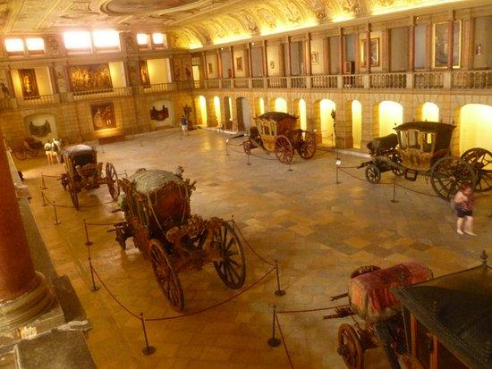 Museu Nacional dos Coches: Фото со 2 этажа