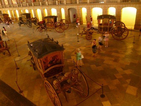 Museu Nacional dos Coches: Еще один ракурс со второго этажа
