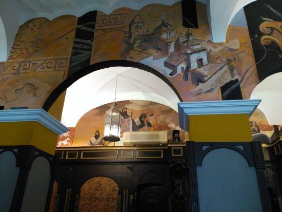 Jerez de los Caballeros, إسبانيا: Excelente lugar para comer bien, buena atención y muy cerca de los lugares patrimoniales
