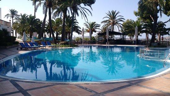 Le Maritim piscine tôt le matin picture of maritim hotel galatzo