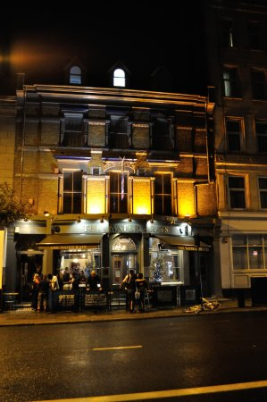 The Water Rats: Esterno