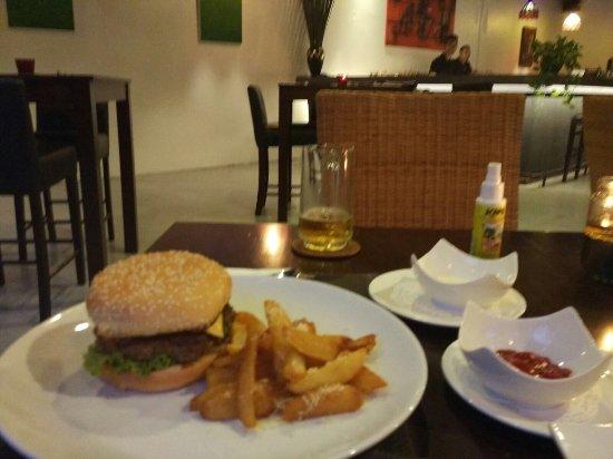 Llawa The Dining Lounge: photo0.jpg