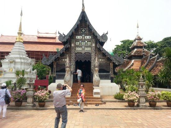 Wat Chedi Luang Varavihara Chiang Mai - Picture of Wat ...