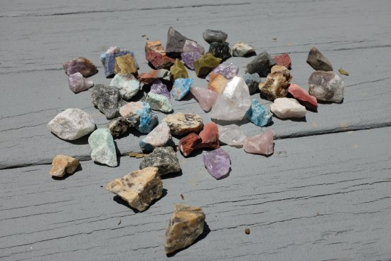 Elijah Mountain Gem Mine : The gem haul from one bucket!