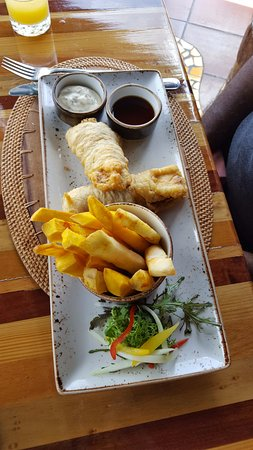 Dasheene at Ladera : Main Course - FIsh and Chips $20USD