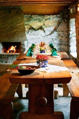 Fusa Municipality, Norvegia: Restaurant's interiour
