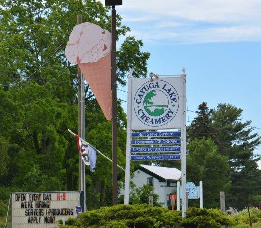 Interlaken, NY: Cayuga Lake Creamery
