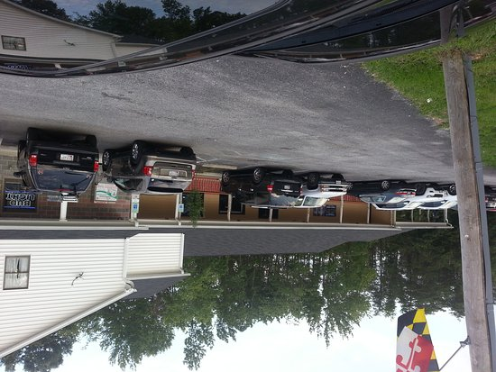 La Plata, MD: Ollie's bar and grill from the parking lot.