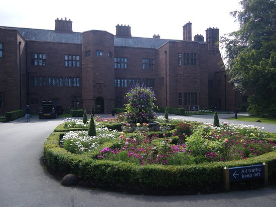 Abbey House Hotel: Front of the hotel