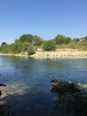Trekking&Paddles-Rafting Campania: the little beach on the river