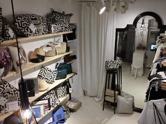b07c7504d19 Έλληνες σχεδιαστές ρούχων τσάντες αξεσουάρ σε μεγάλη ποικιλία και ...