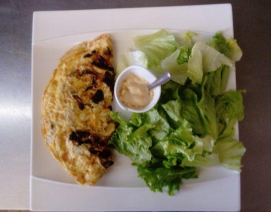 Marcillac-Saint-Quentin, Γαλλία: omelette aux cèpes
