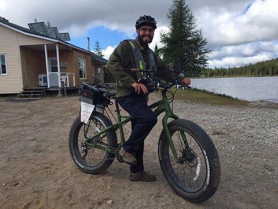 Forestville, Canadá: Belle pêche en se rendant au lac en Fat Bike avec assistance Électrique !