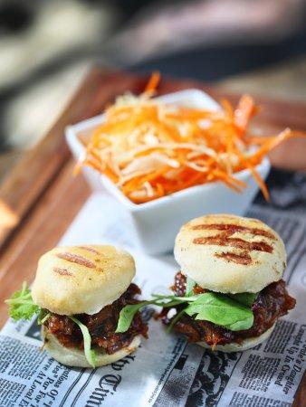 Cap Estate, St. Lucia: Pulled Pork Burgers