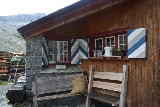 Samedan, Svizzera: Gemütliche SAC-Hütte