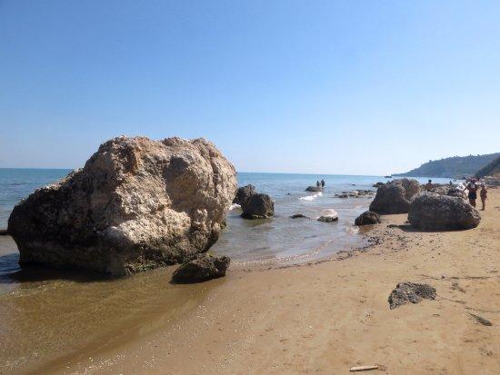 Vico del Gargano, Italie : la fine della spiaggia verso quella delle Calenelle