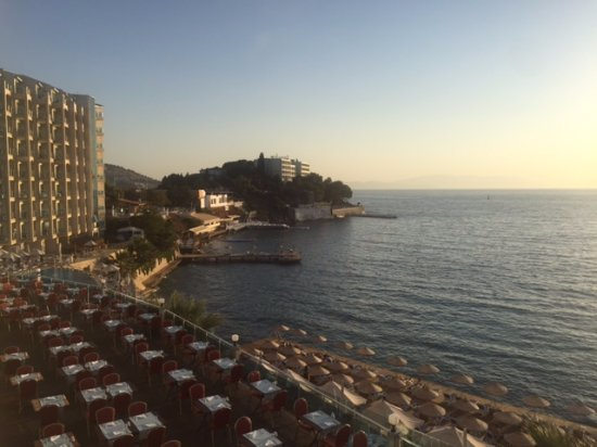 Charisma De Luxe Hotel: Amazing view, the only good thing in this hotel