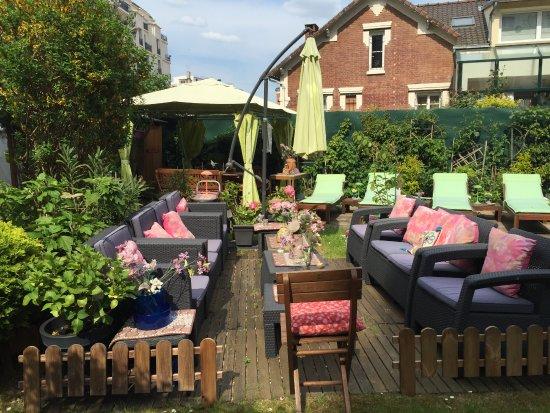 Cecilia 39 s guest house asnieres sur seine france guesthouse reviews photos price - Ikea outils jardin asnieres sur seine ...
