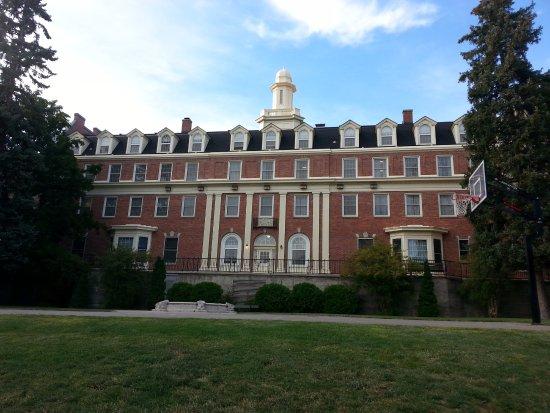 Washington State University: Nice buidling on campus