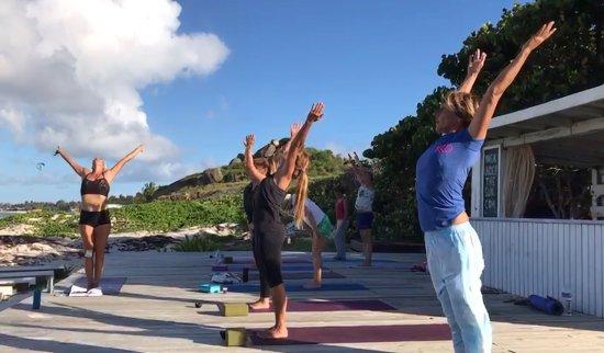 Idolem Beach Yoga