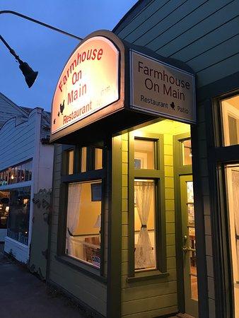 Farmhouse On Main Delightful Farm To Table Restaurant In Ferndale