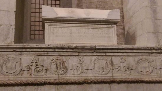 esterno destro basilica cattedrale tempio