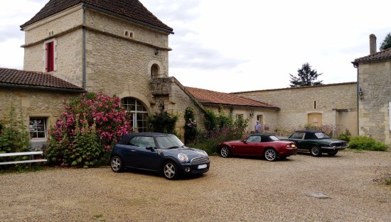 Rauzan, France: Location of rooms - easy safe parking