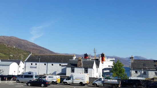 The Seafood Shack: Ferry leaving Ullapool