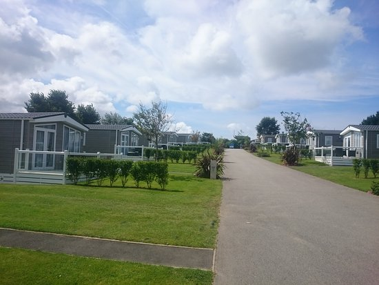 Hendra Holiday Park: Meadow Lodges