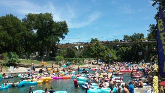 Comal River: Summer crowds