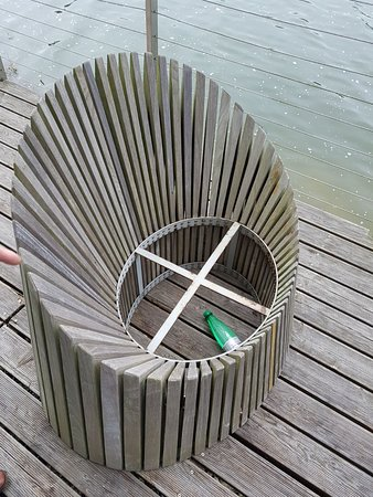 Lechlade, UK: Bottles left on deck