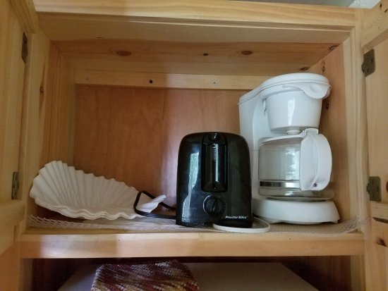 Isle Royale National Park, MI: Coffee maker (Coffee not included) and a toaster. Cabin #208